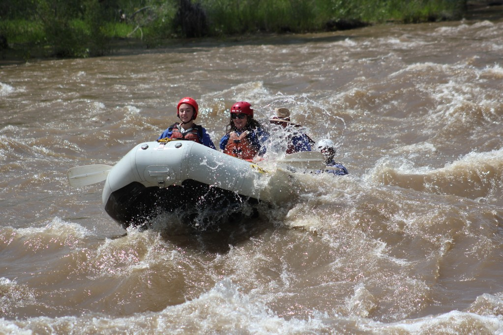 This image has an empty alt attribute; its file name is Rafting-5-1.jpg