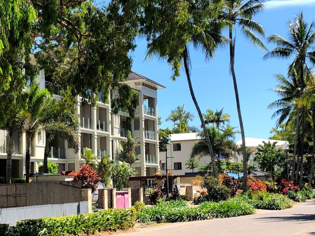 This image has an empty alt attribute; its file name is Hotel-Palm-Cove-IMG_1622-1024x768.jpg